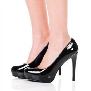 New Chinese Laundry Black Patent Platform Pumps